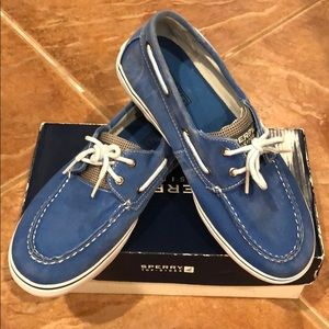 Brand New SPERRY Halyard boys boat shoes